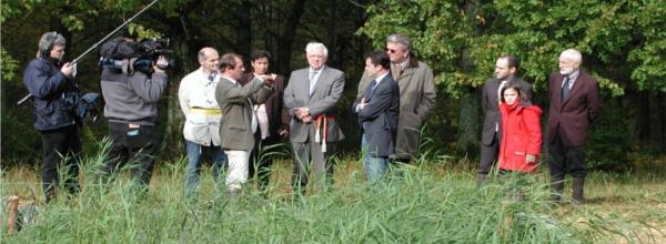 Le prince Laurent visite un filtre végétalisé